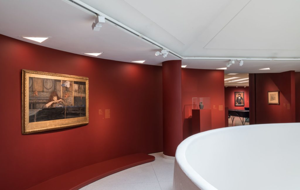 Guggenheim Rose Croix Gallery Picture 3
